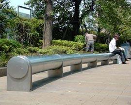 Curved bench - photo from Yumiko Hayakawa