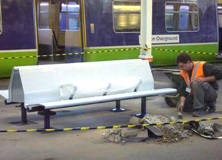 New anti-homeless bench being installed at Richmond Station