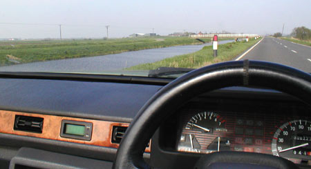 Dashboard of 1992 Reliant Scimitar SST, on B1098 somewhere near March