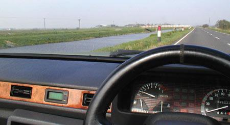 Dashboard of 1992 Reliant Scimitar SST, on B1098 somewhere near March